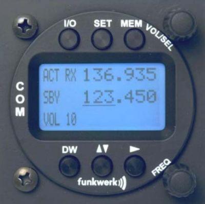 f.u.n.k.e. AVIONICS Doppelsitzer-Bedienteil ATR833-LCD, 57mm Rundgehäuse