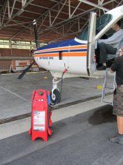 Akku Startgerät SOS 12/24V-3200CA fahrbar mit Anschluss für Aviation-Kabel